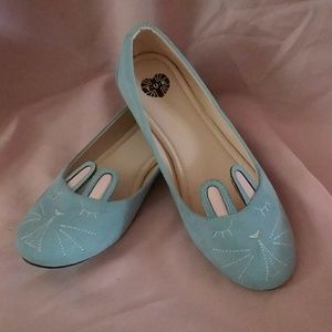 TUK Blue Bunny Flats Like New